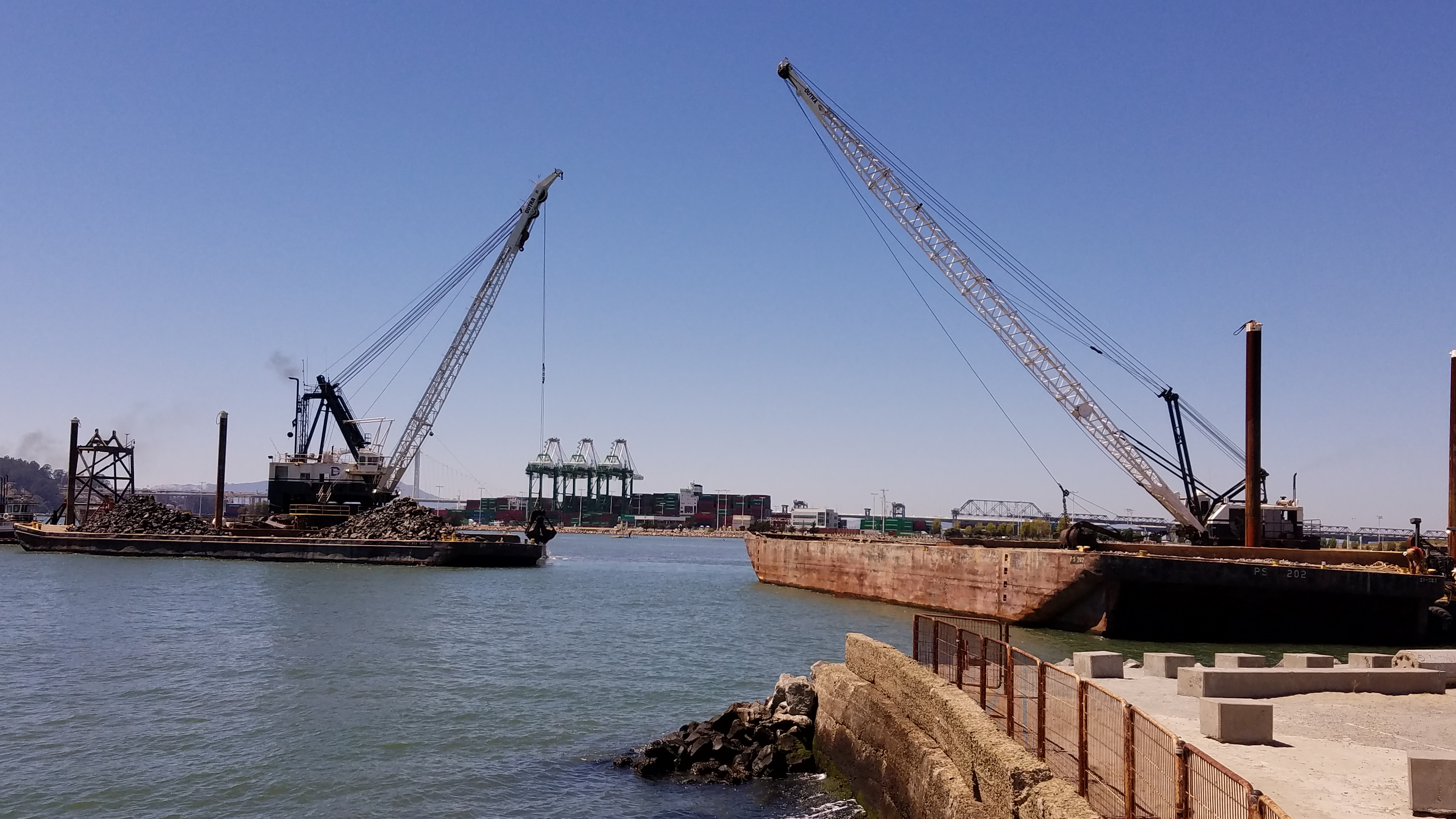 Dutra Group | Dredging | Oakland Middle Harbor Enhancement Area