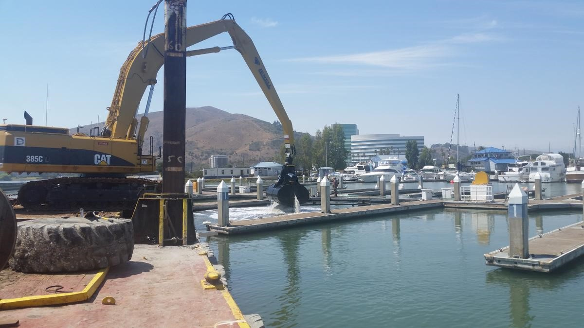 Dutra Group | Dredging | Brisbane Marina Entrance Channel Maintenance Dredging 2015-2016